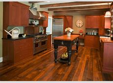 7 Beautiful Kitchens with Antique Wood Flooring [Pictures]