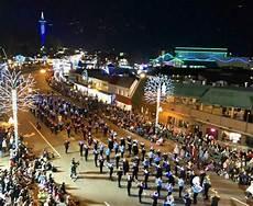 Gatlinburg Of Lights Parade Gatlinburg S Of Lights Christmas Parade