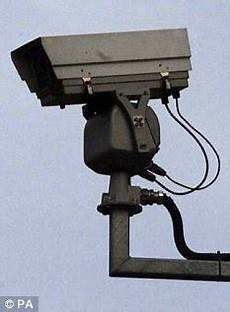 What Do Red Light Cameras Look Like Uk Don T Jump Red Lights Video Shows A Year Of Reckless