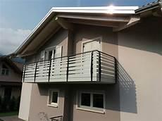terrazzi con ringhiera dietre srl parapetti in alluminio ringhiere balconi