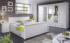 schlafzimmer kiefer weiß schubladenbett 140x200 mit 2 nachtkommoden kiefer massiv