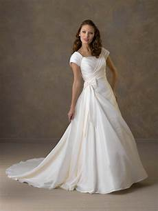 different types of wedding dresses with sleeves wedding