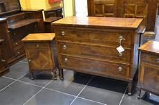 comodini in legno massello gruppo 242 e comodini in legno massello livio bernardi