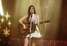 Musgraves Announces New U S Tour Dates Rolling Stone