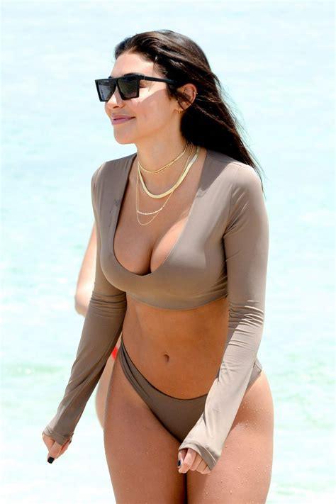 Download Paris Hilton Nude
