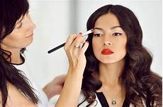 how to become a professional makeup artist usa today