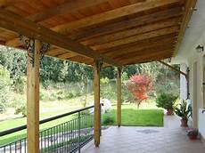 tettoia addossata tettoia in legno addossata decorazioni ferro outdoor