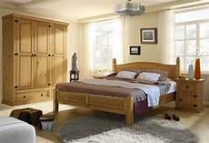 schlafzimmer massivholz landhausstil bett 140x200 quot merida quot massivholz pinie landhausstil