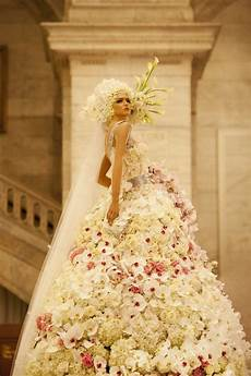 dresses made up of real flowers you didn t