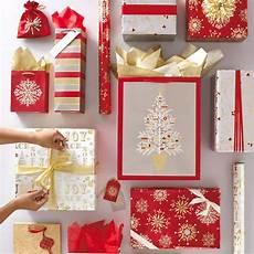 weihnachtsgeschenke foto gift wrap hallmark corporate