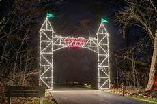 Holiday In Lights Sharonville Ohio The 8 Best Drive Thru Christmas Lights Displays In Ohio