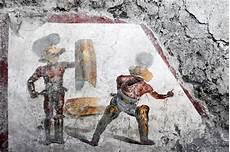gladiator fresco discovered at pompeii