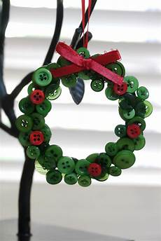 of craft ornament month button wreath