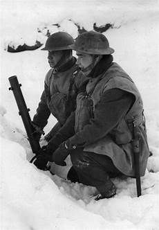 Soldier Hard See The Light British Soldiers With A 51mm Light Mortar 27 January 1940