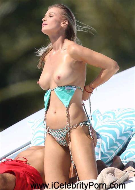 Roberta Nude Maxim