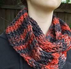 fireside loom knit cowl allfreeknitting