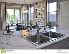 cucina e sala da pranzo cucina e sala da pranzo moderne immagine stock immagine