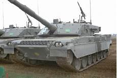interno di un carro armato c1 ariete carri armati