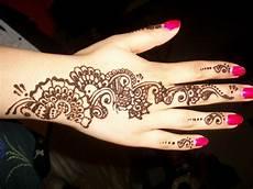 Hennagir Designs 30 Beautiful Arabic Henna Mehndi Designs For Girls Hands