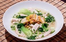 koreansk kylling koreansk kyllingsuppe dak gomtang 닭곰탕