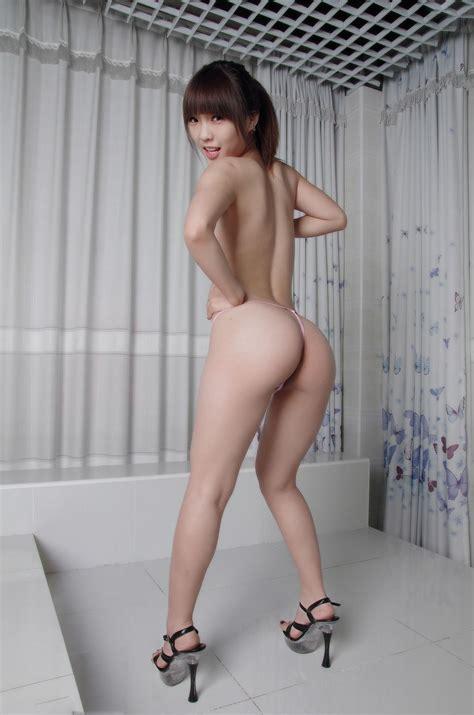 Naked Gordon Ramsay