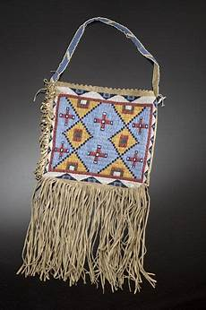 beadwork sioux sioux bag sioux beaded hide bag auction 2005