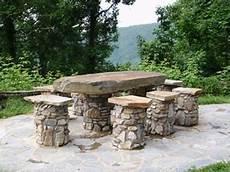 tavoli da giardino in pietra lavica tavoli da giardino in pietra tavoli da giardino