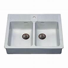 lavello cucina in ceramica installare un lavello cucina di ceramica su staffe
