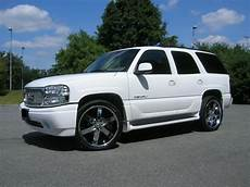 2002 Yukon Denali Lights Aaronld99 2002 Gmc Yukon Denali Specs Photos