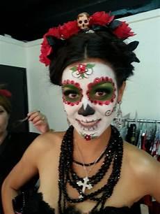 dia de los muertos makeup i like the headdress with the