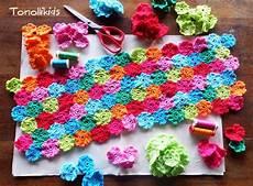 uncinetto cuscini tonolli decorations for cuscino di mille fiori all