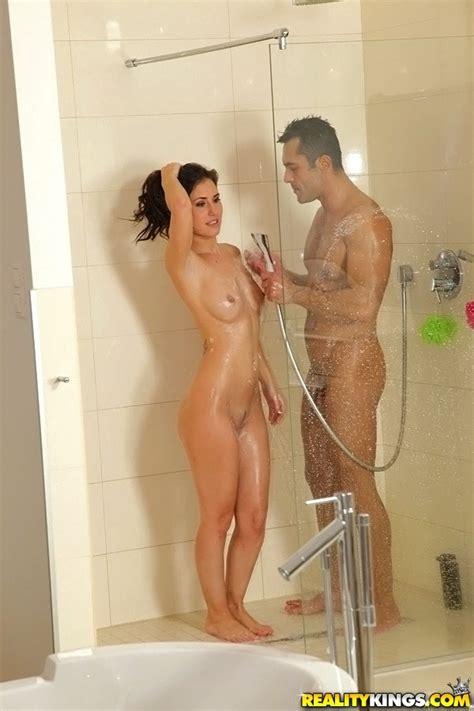 Samara Weaving Nude Pics