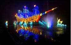 Huddersfield Festival Of Light Longleat S Festival Of Light 2017 Group Travel Organiser