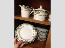 Complete 12 place setting of Excel Legend 435 Fine China
