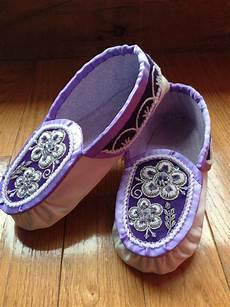 beadwork moccasins iroquois raised beadwork moccasins by thompson