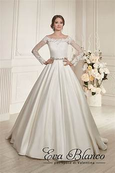 Dress Design Features This Magnificent Bridal Gown Features An A Line Design