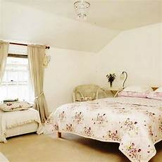 Bedroom Ideas On A Budget Bedroom Decorating Ideas On A Small Budget Interior