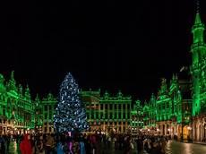 Brussels Christmas Market Light Show Brussels Christmas Market 2017 Inspiringtravellers Com