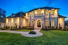 traditional luxury style house plan 6900 baton