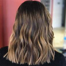 frisuren braune haare mit blonden strähnen 1001 ideen f 252 r frisuren f 252 r mittellange haare inklusive