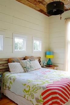 schlafzimmer ideen für kleine räume schicke moderne bauernhaus schlafzimmer mit bunten vintage