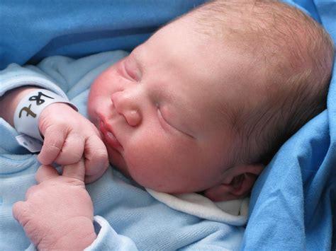 la bambino 2 9 milioni di bambini perdono la vita entro i primi