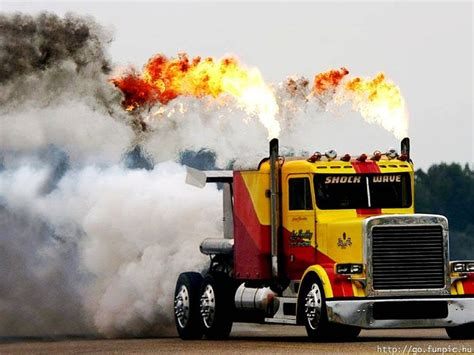 trucks drag racing 18 wheeler drag racing cool semi truck image