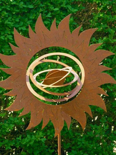 figuren fã r den garten sonne 2 skulptur garten stele figur metall rost optik