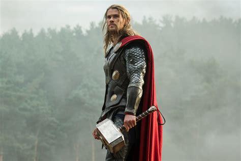 film terbaru thor tilan baru thor dalam thor ragnarok rambutnya