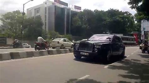 roll royce hyderabad chasing super cars in hyderabad rolls royce phantom