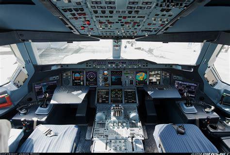 cabina di pilotaggio airbus a380 airbus a380 841 malaysia airlines aviation photo
