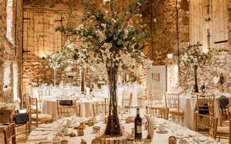 Barn wedding venues ? from romantic and rustic to chic and