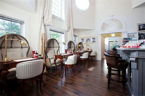 salon bar  luxury spa located  east hampton  york