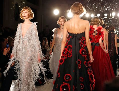 the great gatsby themes relevant today it s a gatsby themed party on marchesa s runway fashion